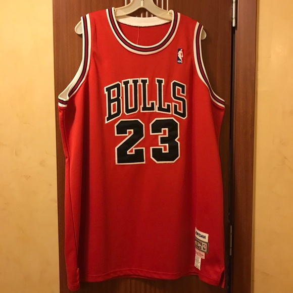 NWT AUTHENTIC Michael Jordan Bulls  23 Jersey dbfcffd65